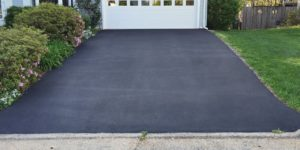 Some Attractive and Practical Driveway Designs That Give Your Home a Facelift